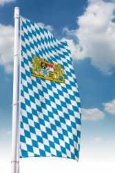 Bayernfahne mit Löwen-Wappen (Raute)