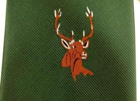 Krawatte mit Hirschkopf