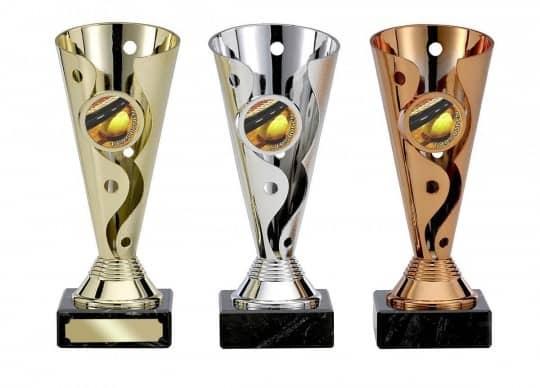 Pokale 3er Serie S122 15 cm gold