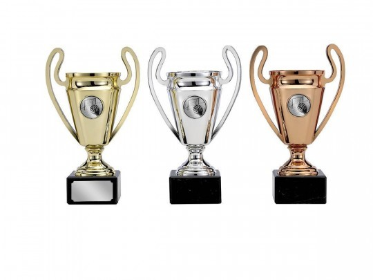 Pokale 3er Serie S123 17cm gold