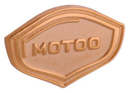 """Pins sandgestrahlt """"MOTOO"""""""